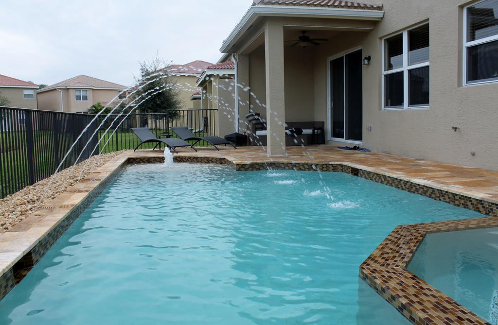 Top Pool Contractors in Miami