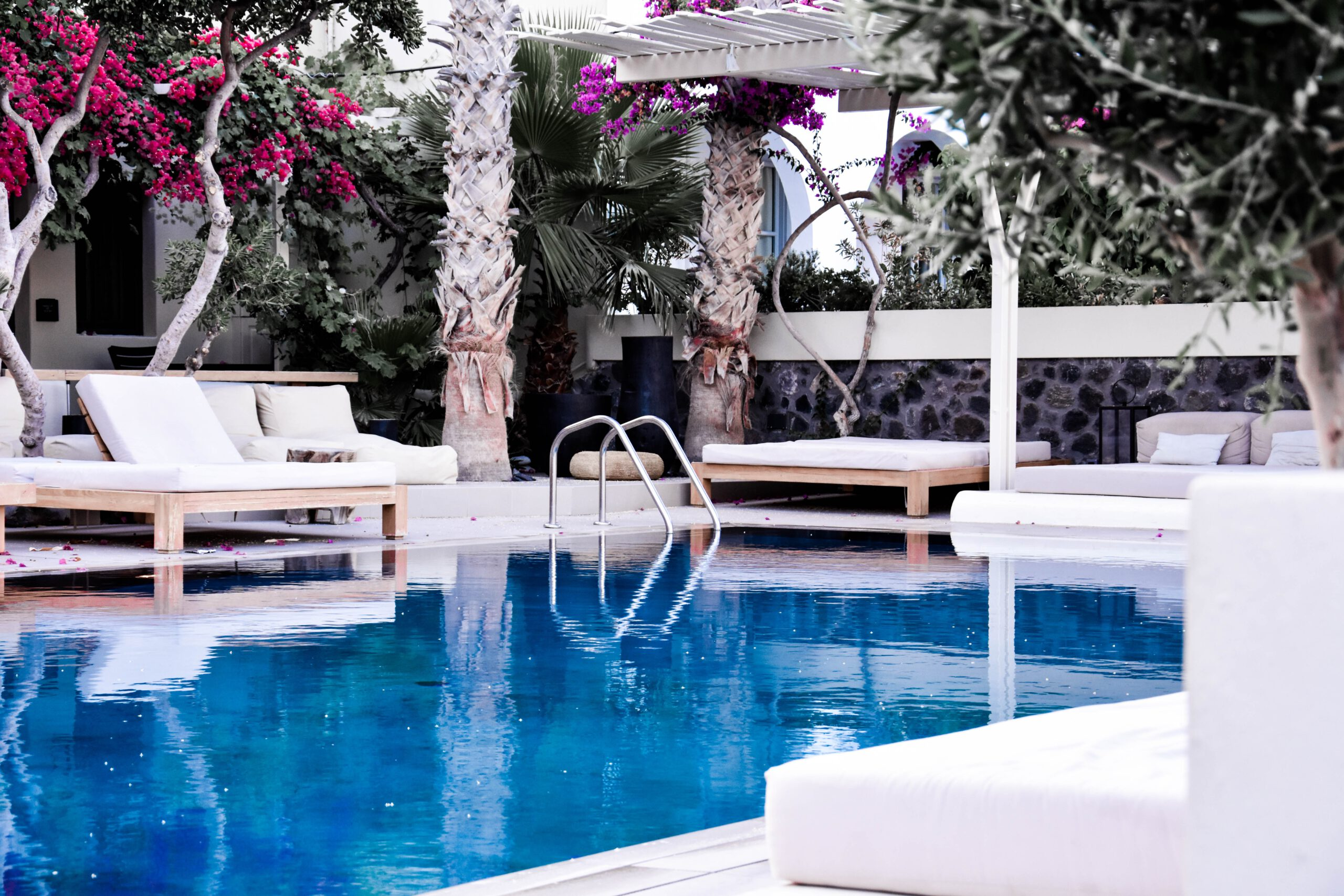 Top Commercial Pool Contractors in Miami