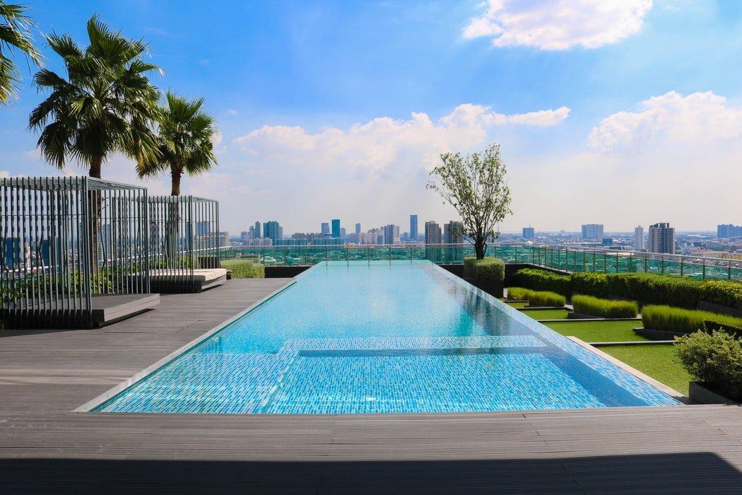 Pool installation service
